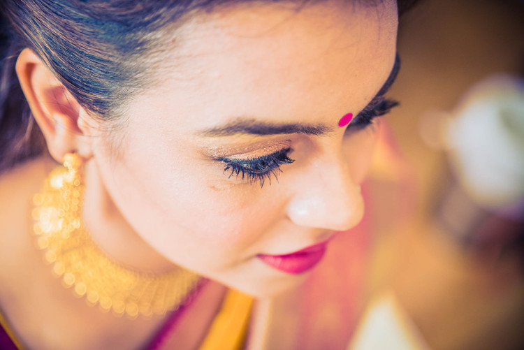 Make-up-getting-ready-brides-photography-7