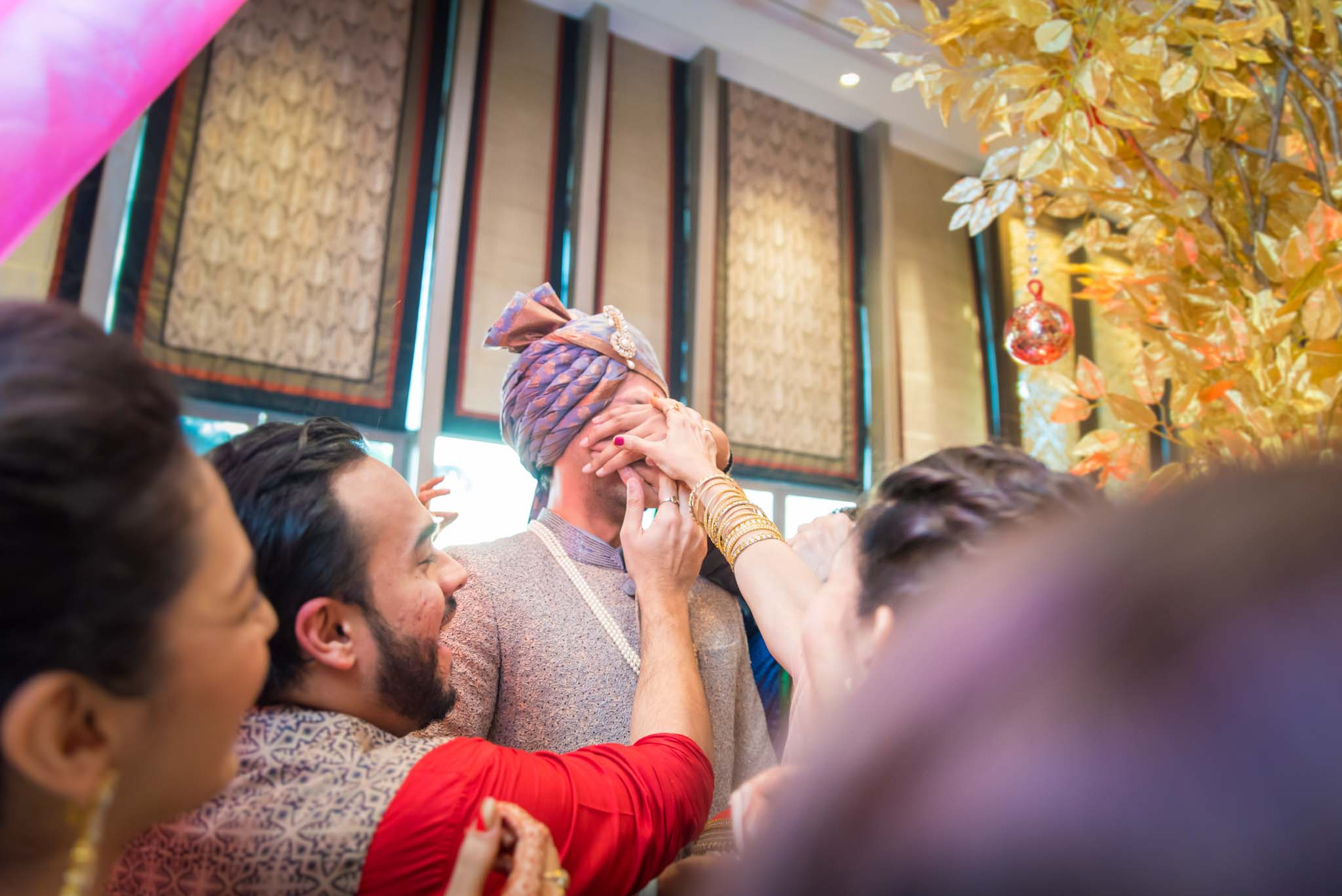 StRegis-Palladium-Mumbai-Candid-Wedding-Photography-27