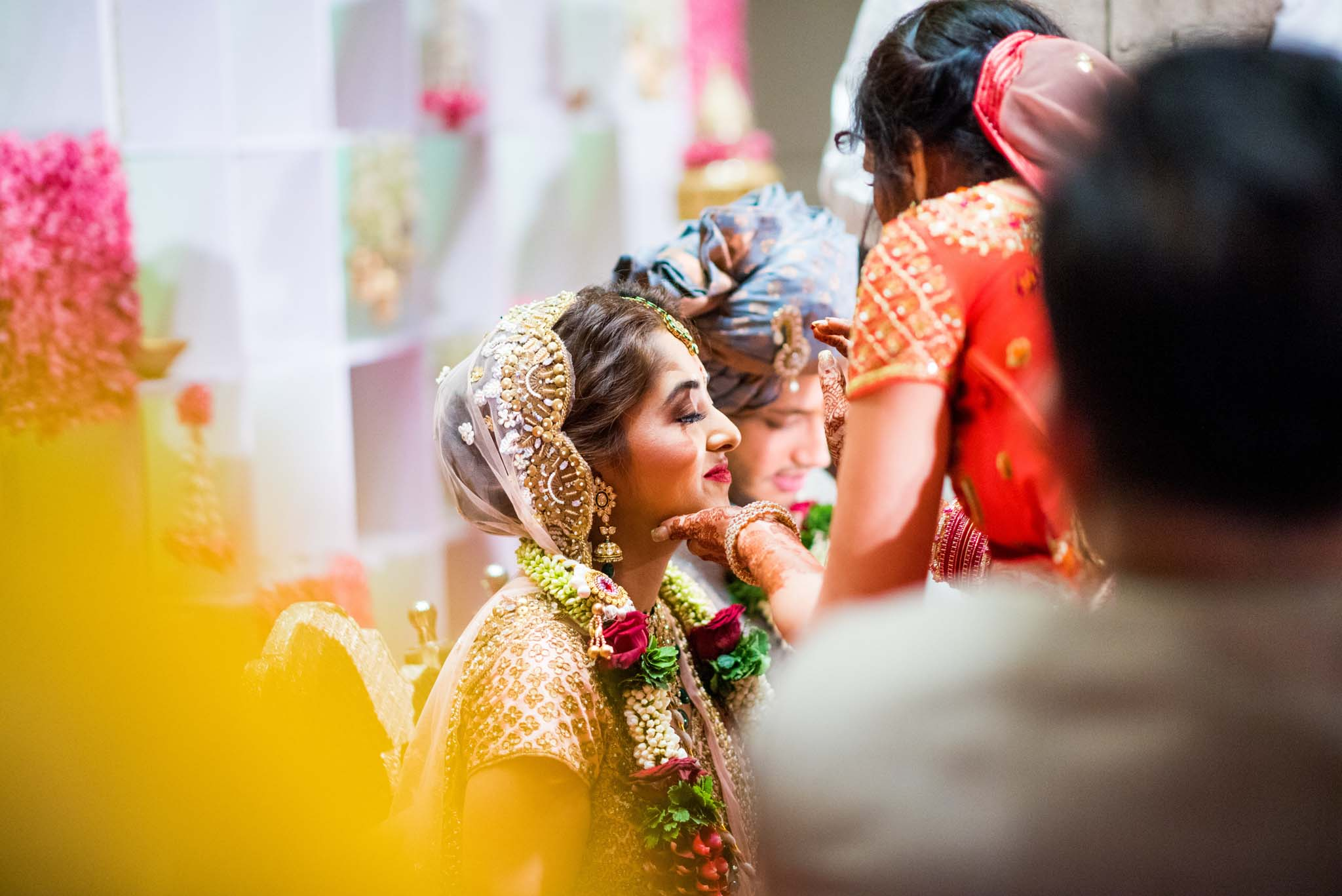 StRegis-Palladium-Mumbai-Candid-Wedding-Photography-41