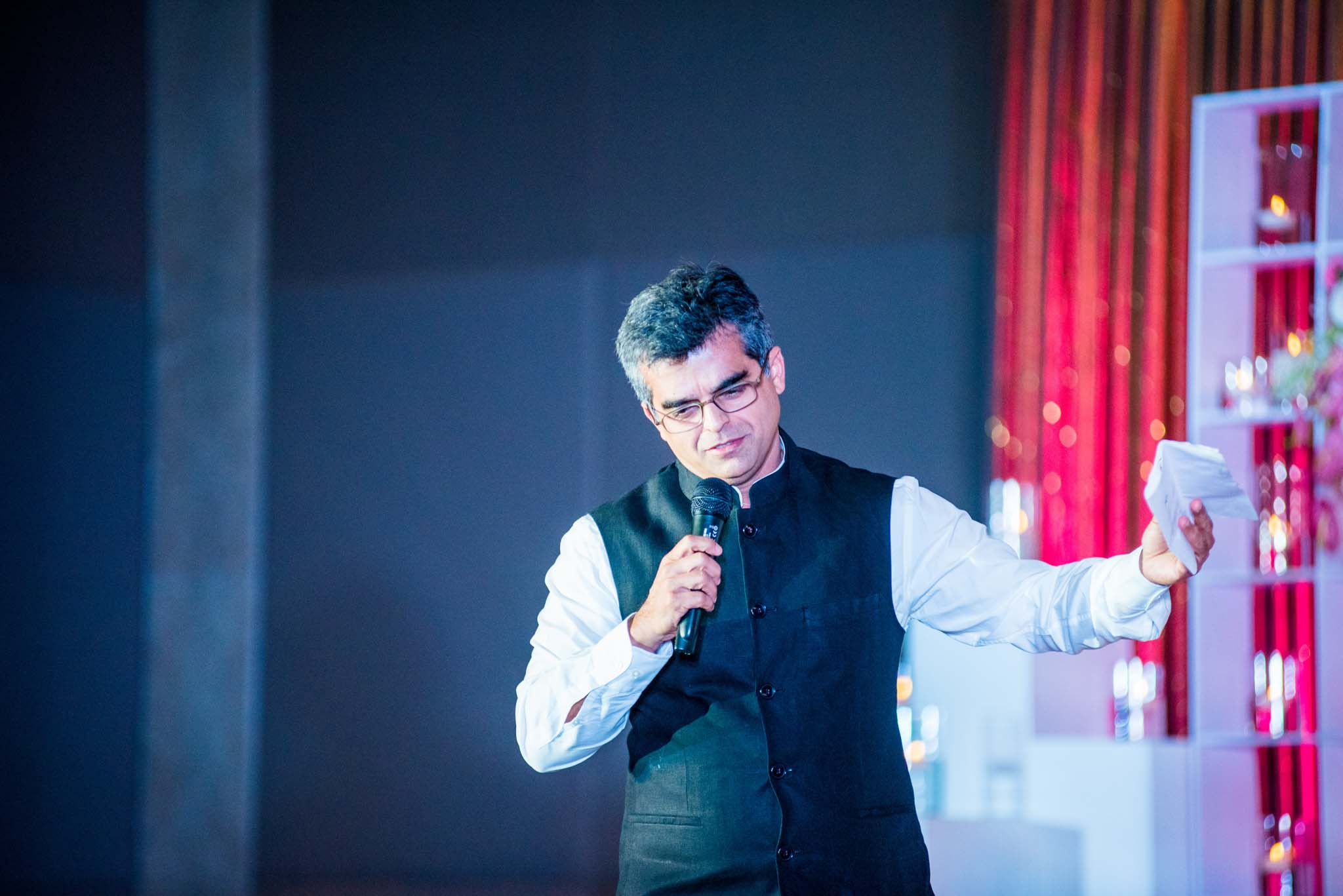StRegis-Palladium-Mumbai-Candid-Wedding-Photography-62