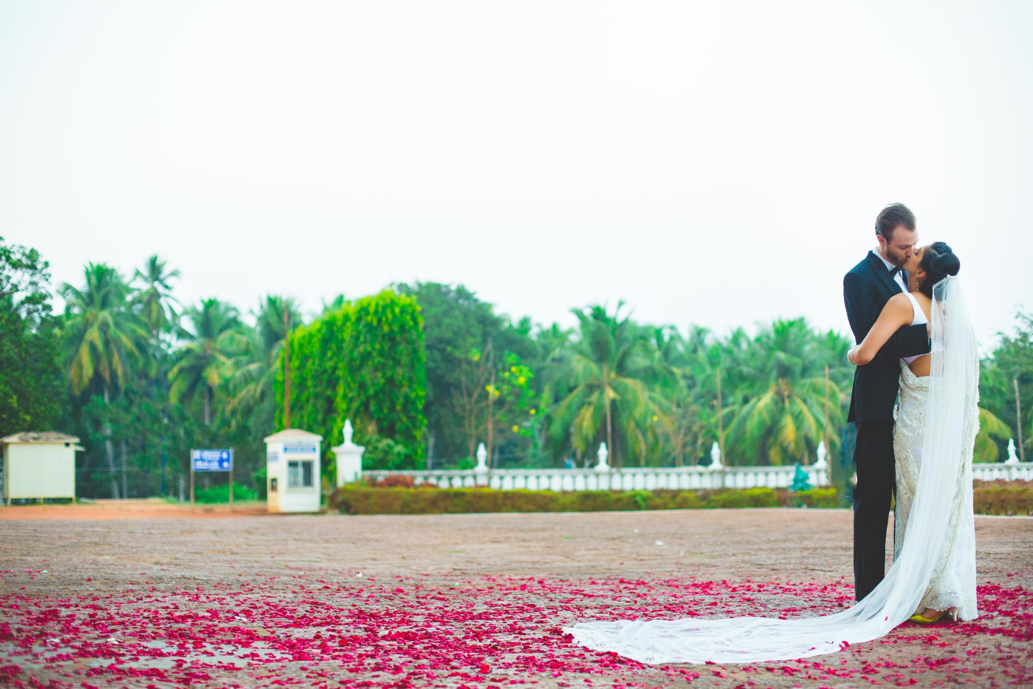 Big-Fat-Indian-Wedding-Destination-Goa-Cidade-de-goa-whatknot-candid-photography-117