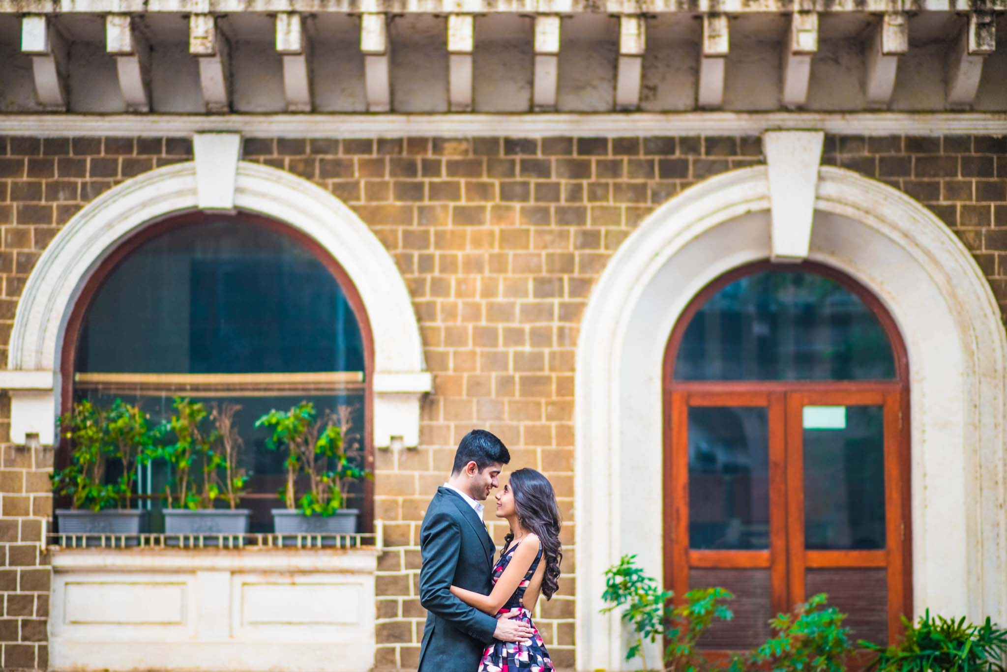 Mumbai-couple-shoot-Ballard-Estate-pre-wedding-doctors-1