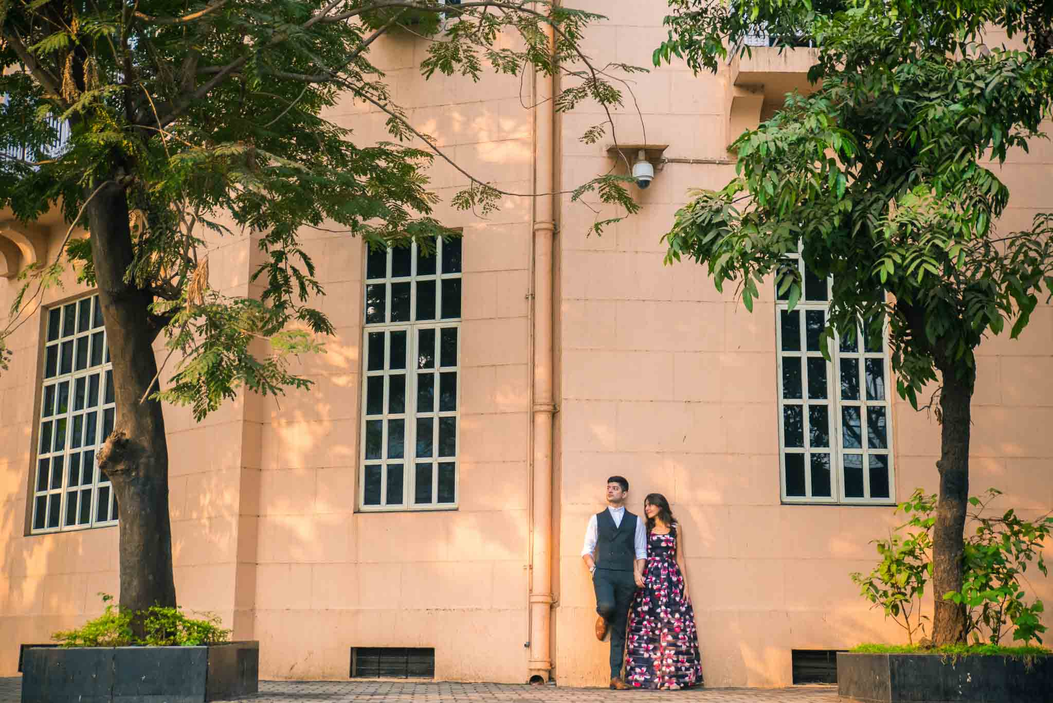 Mumbai-couple-shoot-Ballard-Estate-pre-wedding-doctors-15