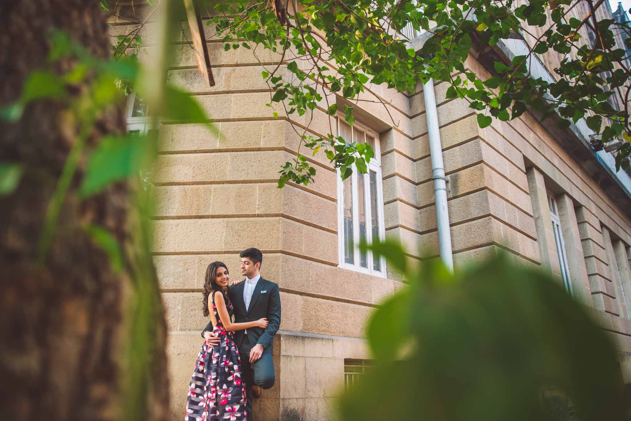 Mumbai-couple-shoot-Ballard-Estate-pre-wedding-doctors-16
