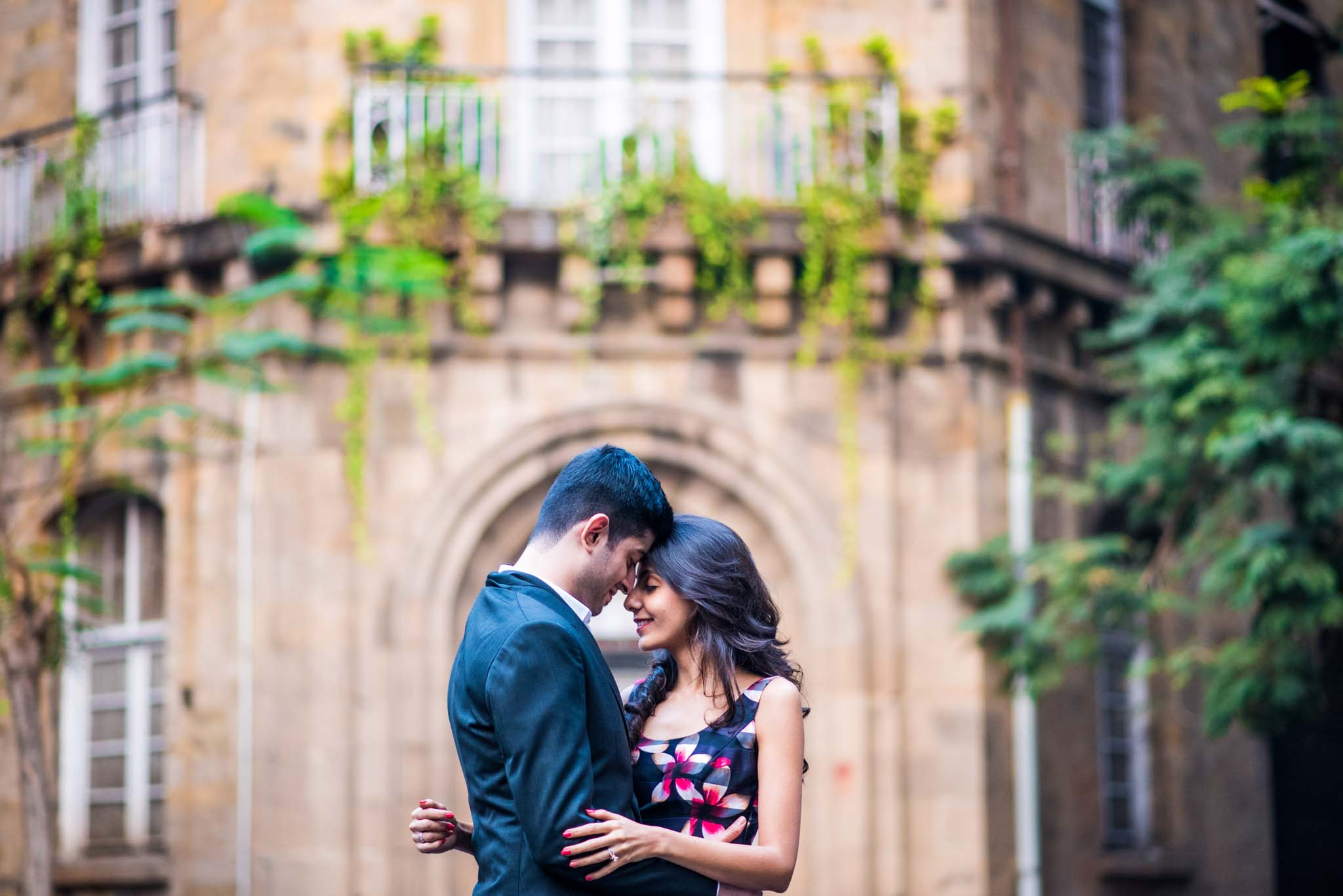 Mumbai-couple-shoot-Ballard-Estate-pre-wedding-doctors-4
