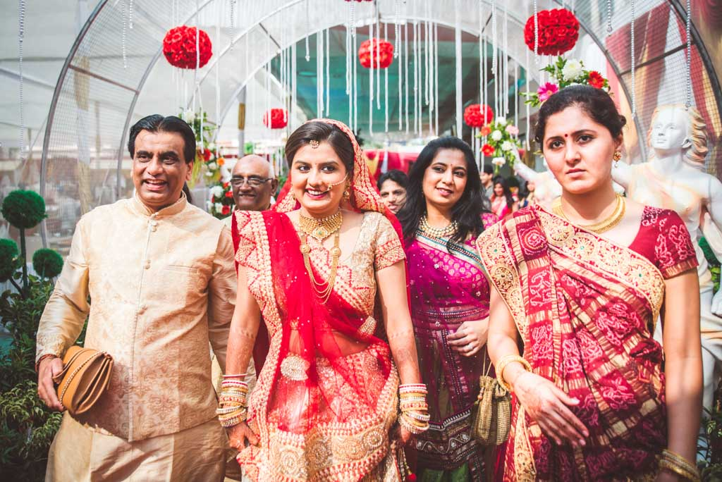 Gujrati-Candid-Wedding-Photography-Mumbai-32