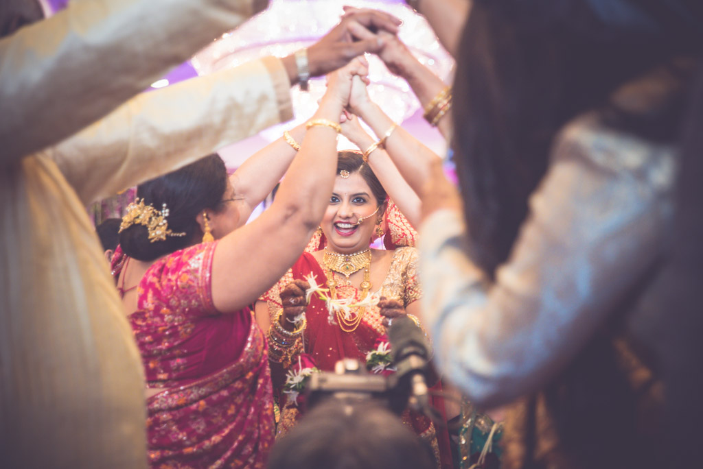 Gujrati-Candid-Wedding-Photography-Mumbai-34