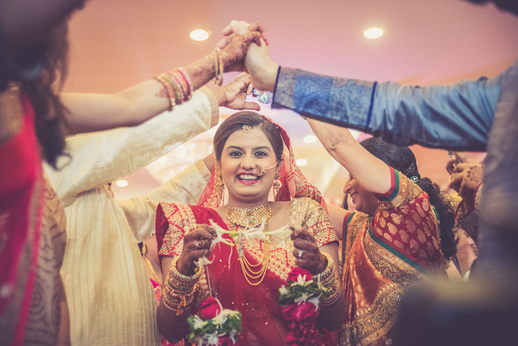 Gujrati-Candid-Wedding-Photography-Mumbai-35