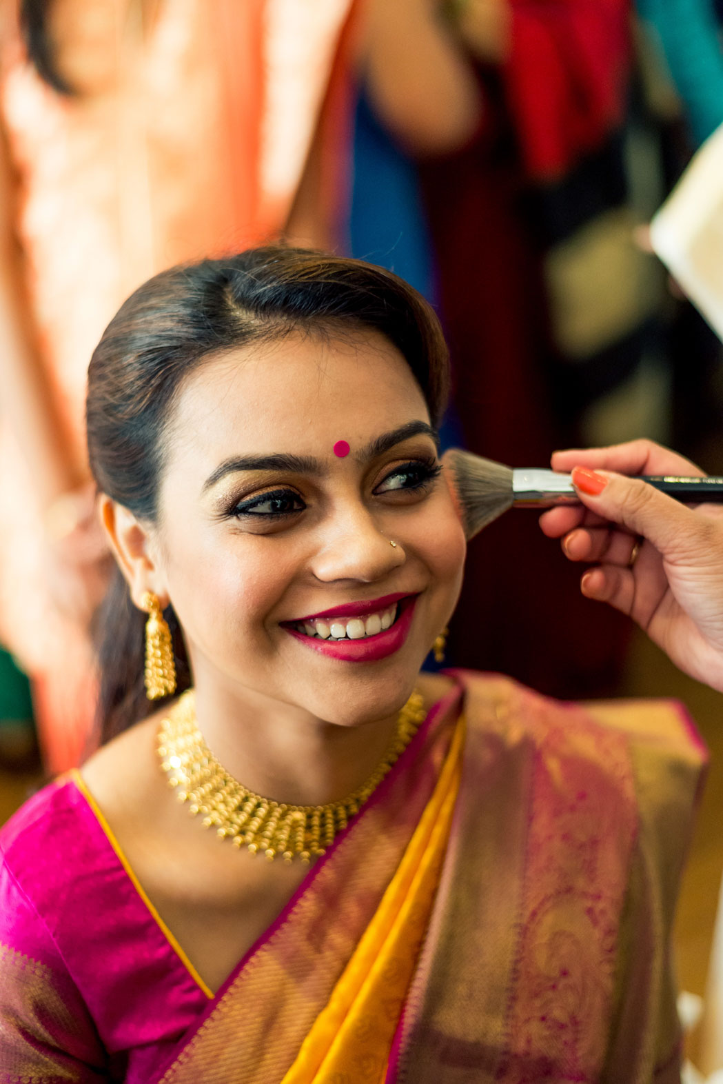 Make-up-getting-ready-brides-photography-11