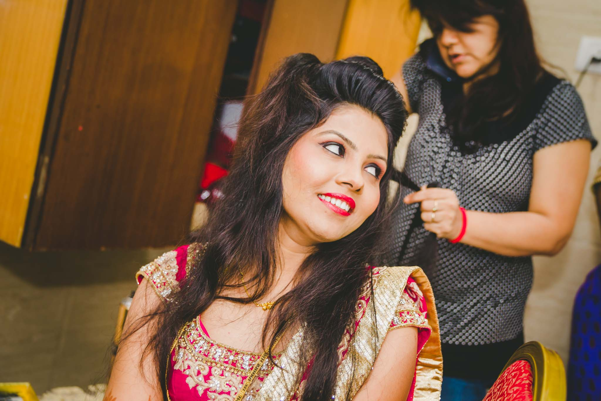 Make-up-getting-ready-brides-photography-20
