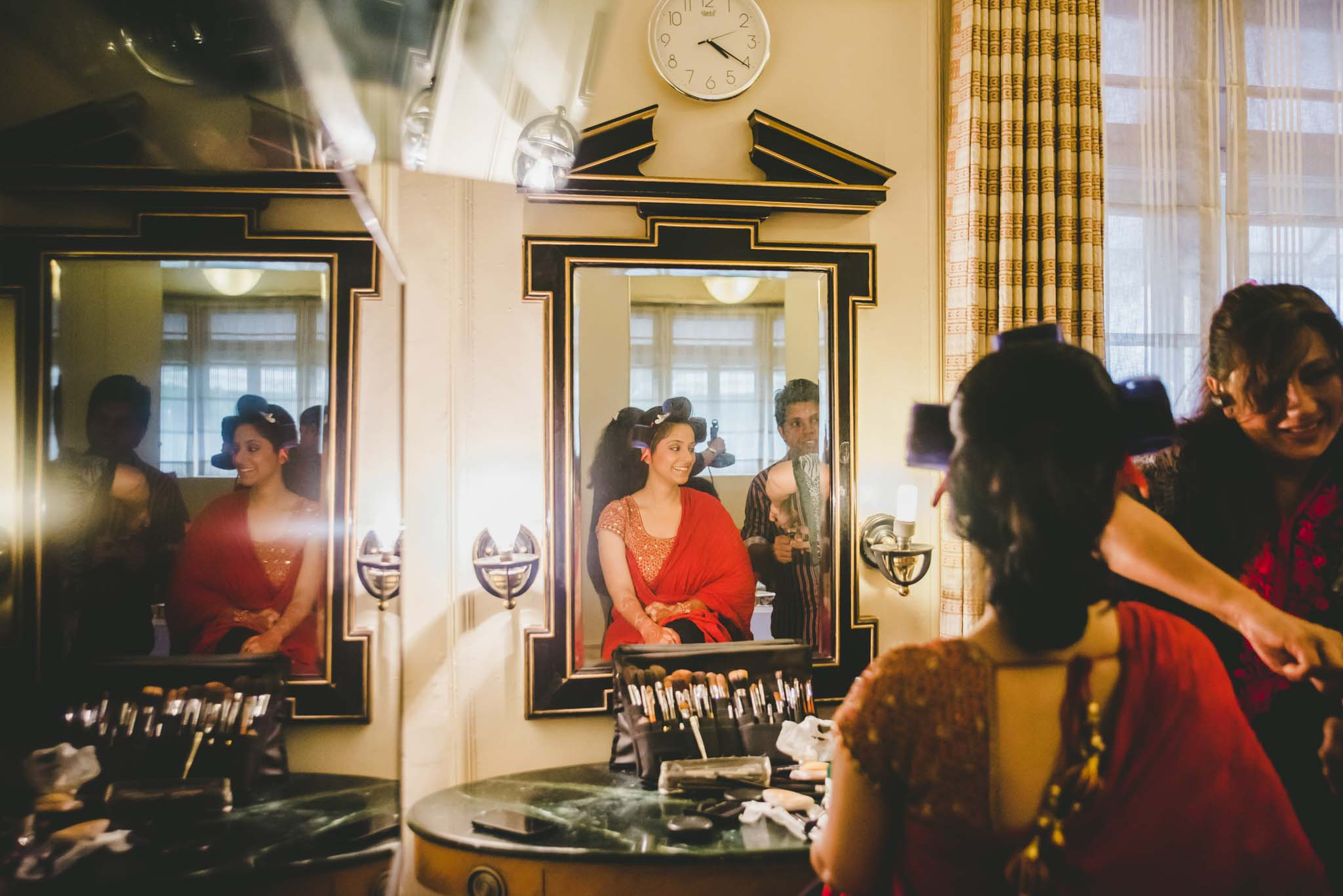 Make-up-getting-ready-brides-photography-3