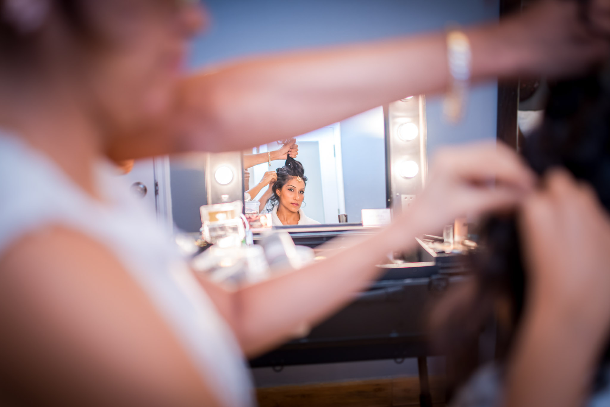 Make-up-getting-ready-brides-photography-47