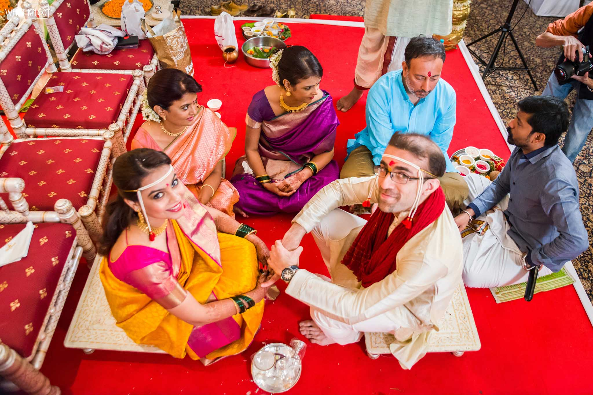 Candid-Wedding-Photography-WhatKnot-Marathi-110