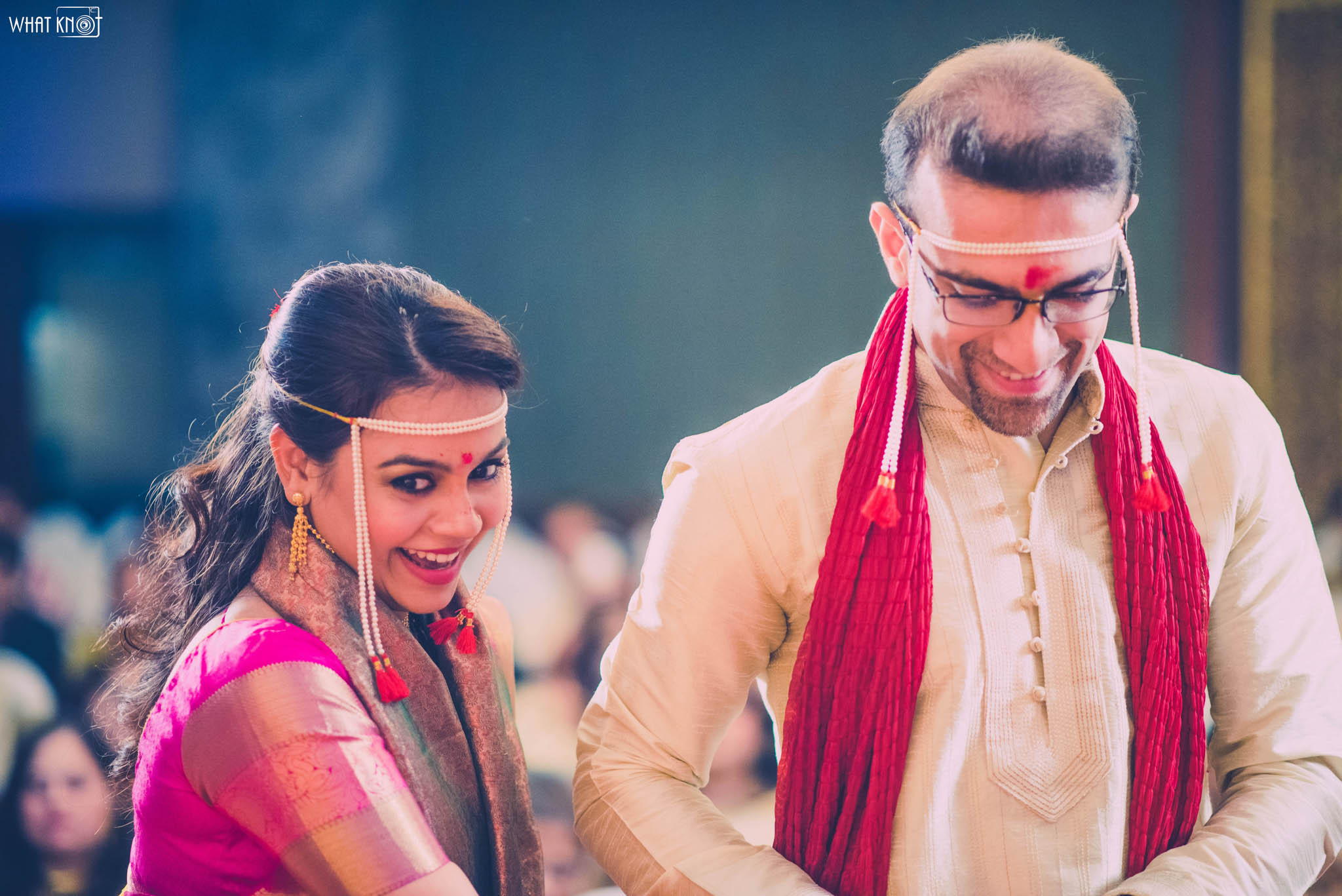 Candid-Wedding-Photography-WhatKnot-Marathi-124