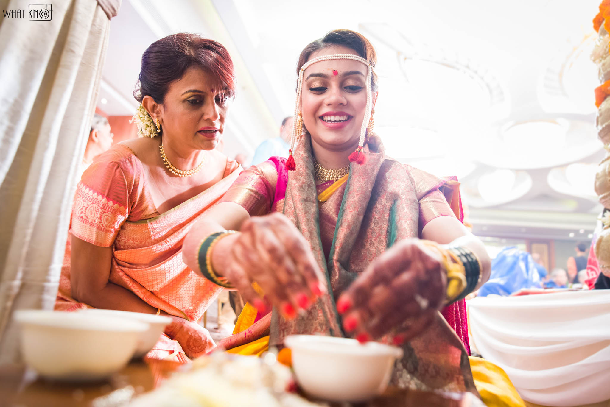 Candid-Wedding-Photography-WhatKnot-Marathi-148