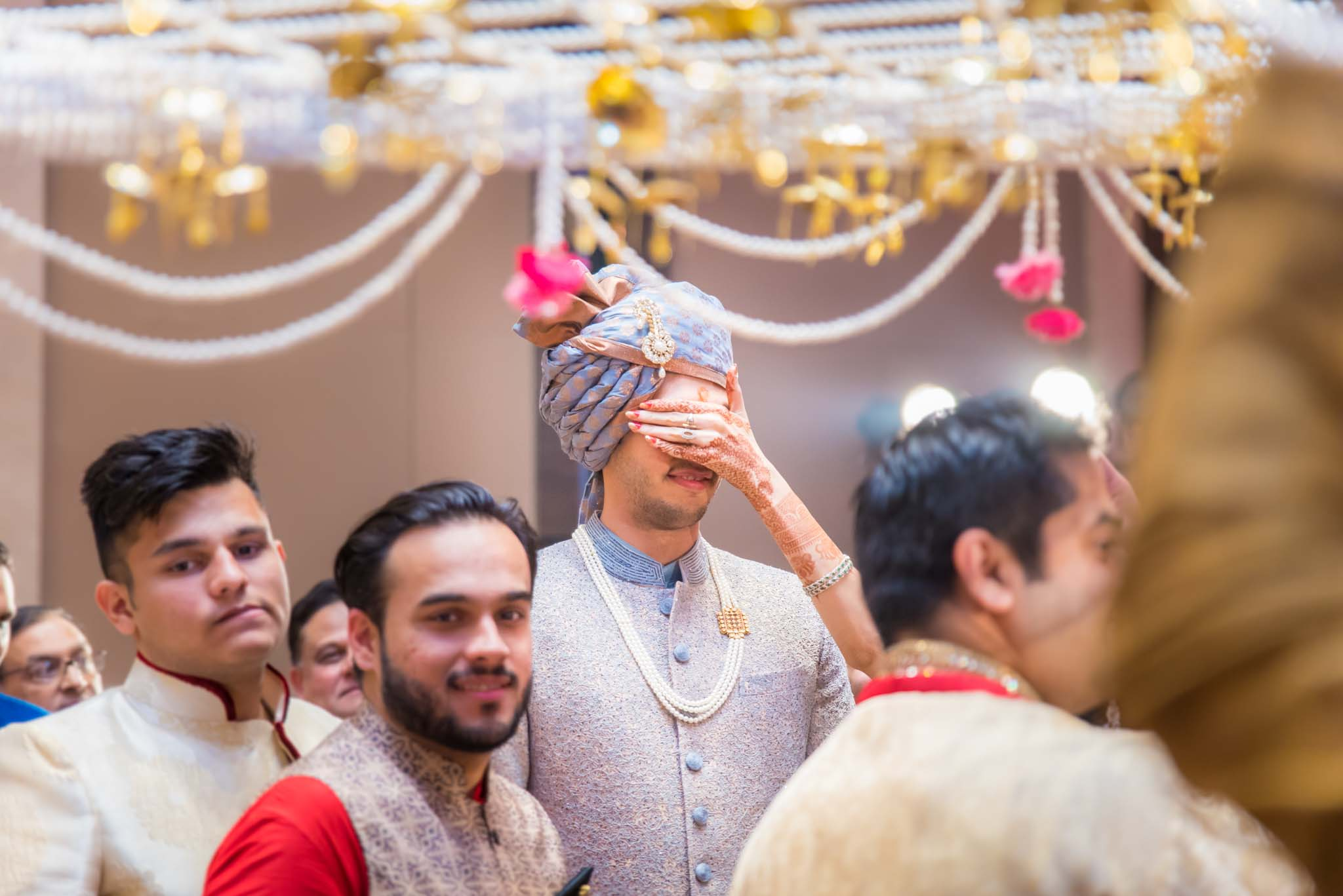 StRegis-Palladium-Mumbai-Candid-Wedding-Photography-32