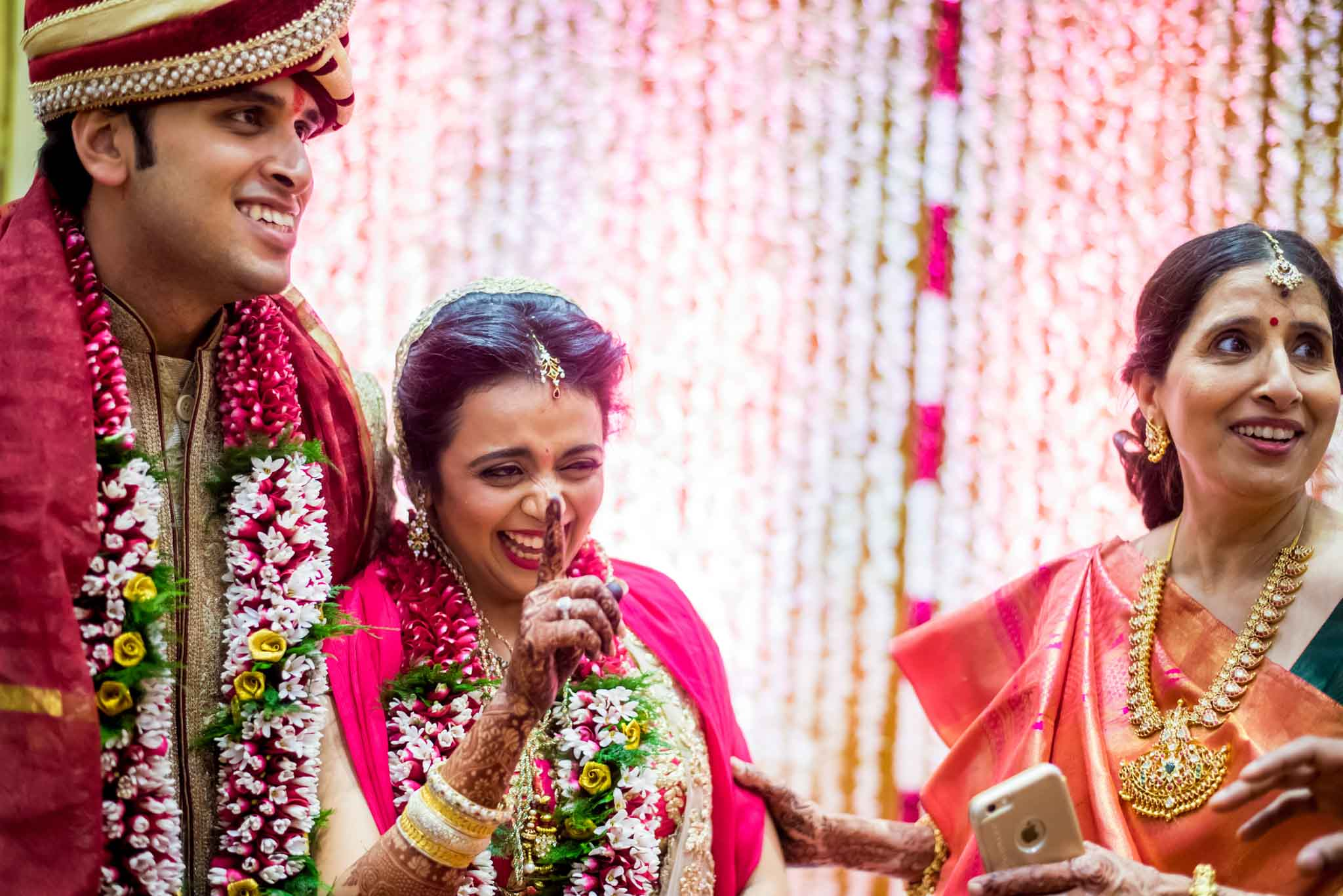 mumbai-candid-photography-wedding-whatknot-kamal-amrohi-studios-49
