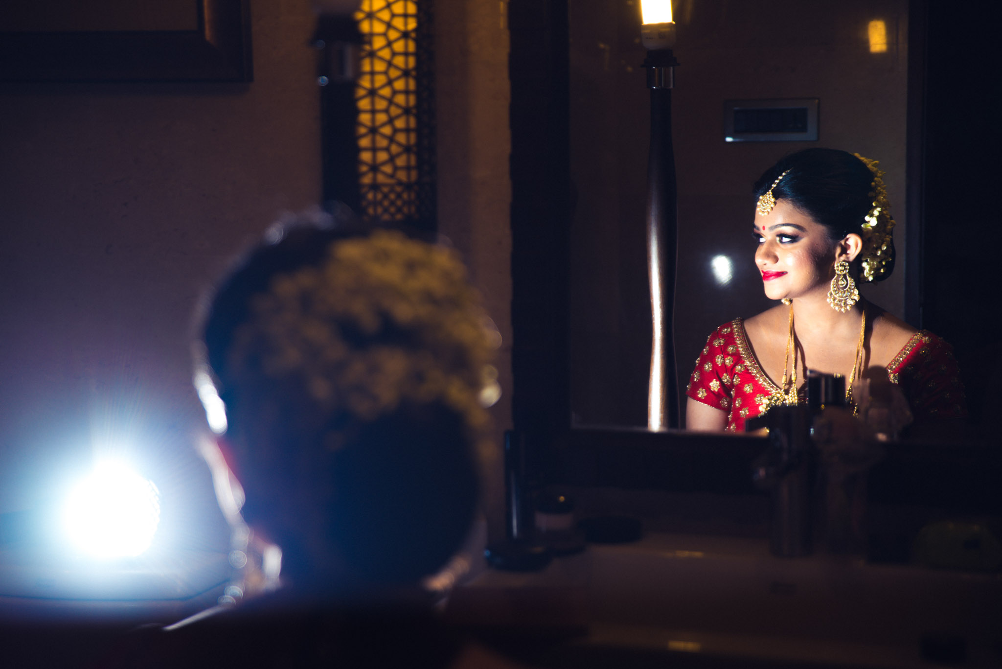 Makeup-room-bride-lehenga-whatknot-photography-13